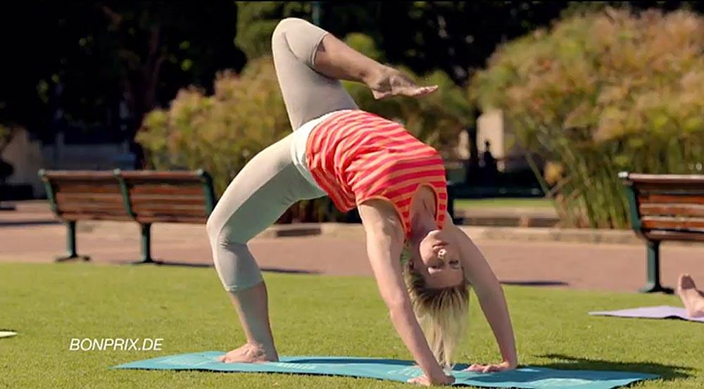Onmogelijke yoga in Bonprix-reclame